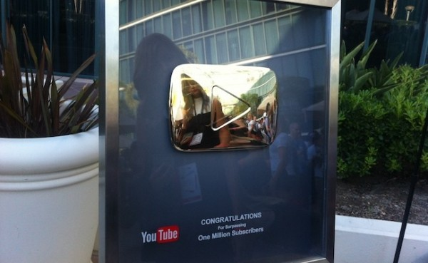 youtube-gold-play-button-600x369