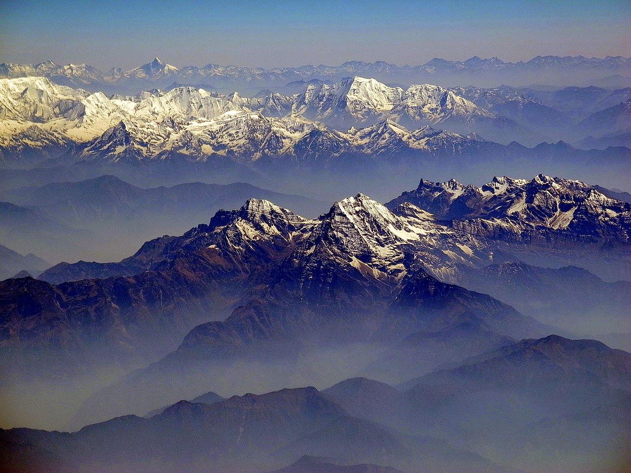 1280px-Himalaya_sud_avion